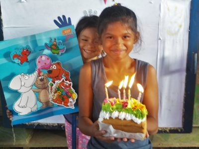 wat doen we pagina; Sara en Meyling haar verjaardag